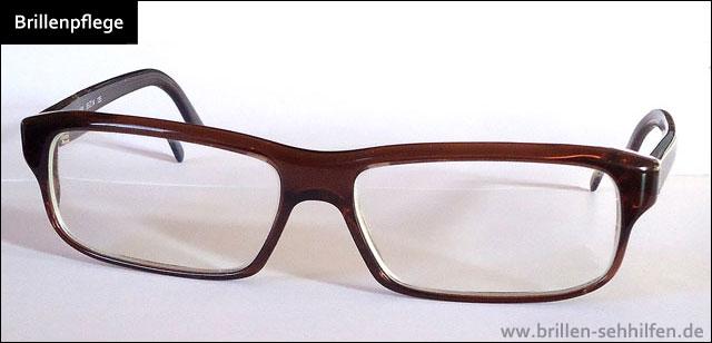brillenpflege brille richtig putzen. Black Bedroom Furniture Sets. Home Design Ideas